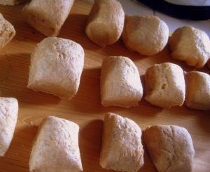 Whole Wheat Buns4 - sweetheatchefs.com