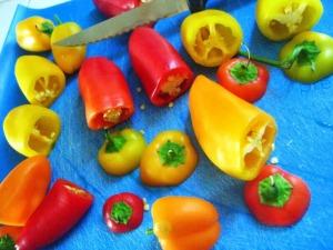 Organic Raw Stuffed Sweet Peppers - sweetheatchefs.com